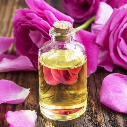 Aromatherapie - Ätherische Duftöle, Massageöle, Duftlampen & Diffuser