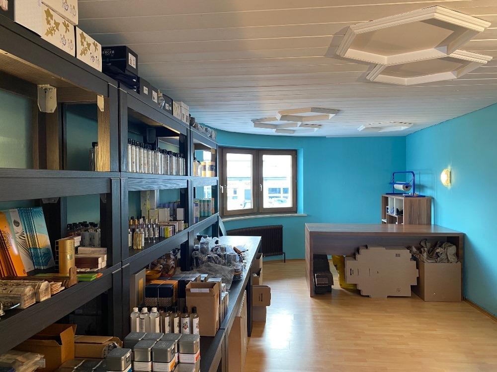 Boutique Lager mit Packstation für Onlineshop Rauchzeichen.at in Telfs